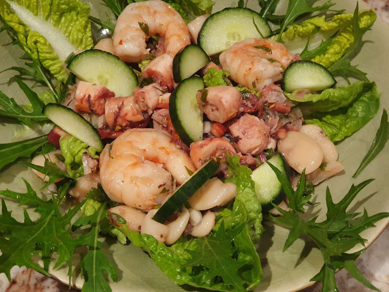 Bean salad with octopus and prawns